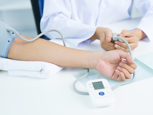 轻度高血压吃药要谨慎!日常控压,还要注意这些