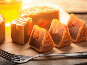 中秋节怎样平安国际充值吃月饼