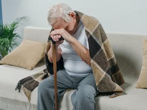 老年人睡太沉并非好事,当心是这些
