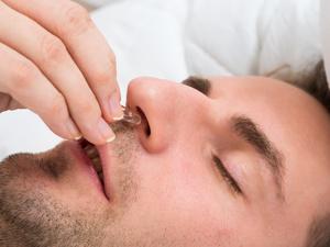 鼻腔肿瘤有哪些症状?