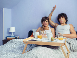 早餐喝牛奶还是豆浆好?还得看你自己