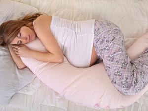 孕晚期怎么睡都不舒服?左侧睡最好!