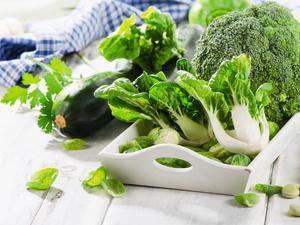 冬天绿叶菜种类少价格高,可以不吃吗?