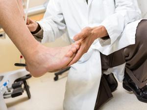 不是简单的脚部问题!糖尿病足