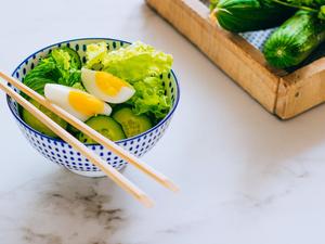 夏天吃黄瓜鸡蛋减肥 一个月狂瘦30斤