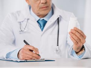 新增确诊病例769例,新增重症病例137例,新增死亡病例24例