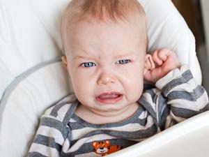 """孩子耳朵有一个小孔?不是老人说的""""有福气""""!爸妈要心里有数"""