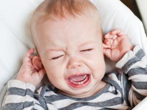 孩子动不动就扯开嗓门喊?医生:小心伤声带!