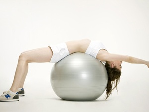 金晨腹肌太令人羡慕!女生如何快速有效练腹肌?