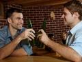 女职员饭局后死亡,饮酒过多对身体有哪些危害?