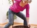 治疗腰痛可刮拭4部位 舒经活络缓解腰椎衰老
