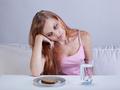 17岁女孩深度抑郁 连续十几天不吃东西