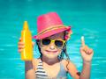 泳池海滩最易晒伤 端午小长假带孩子出游别忘防晒