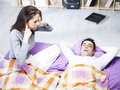 睡觉爱打鼾运动效果差 睡眠呼吸暂停有哪些症状