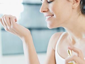 夏季用香技巧 什么部位最适合洒香水