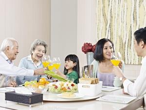 暑假成近视高发期 多吃3类食物有助儿童预防近视