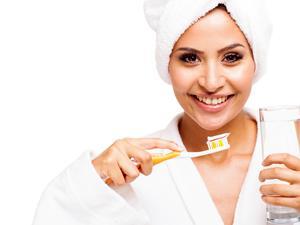 刷牙要晨起清洁、睡前抑菌