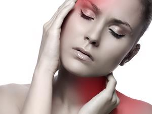 鼻咽癌的早期症状 70%患者有头痛的症状