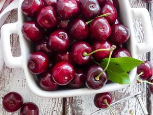吃5种水果 赶走面部色斑!