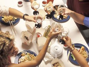 常在外面吃饭 容易惹上1种致癌菌