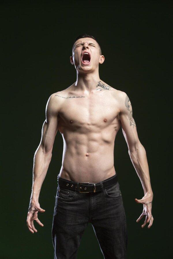 男人怎样练才能拥有八块腹肌?