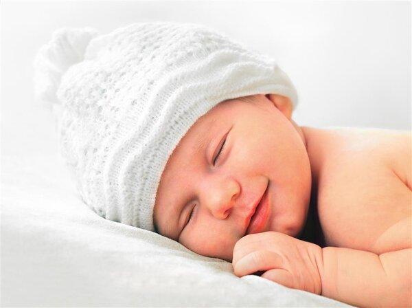 芝士小馄饨回应婴儿趴睡后身亡,爸妈这些行为可能导致婴儿猝死