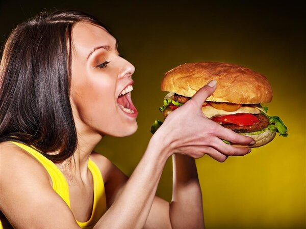 """经常吃太饱,小心""""撑""""出8种病"""