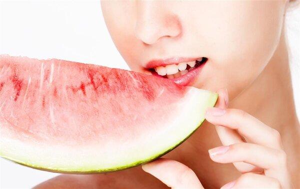 月经期间能不能吃西瓜?月经期间如何注意饮食?