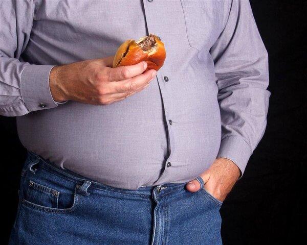 国庆期间的扎心研究:吃了会发胖,胖了会早死!