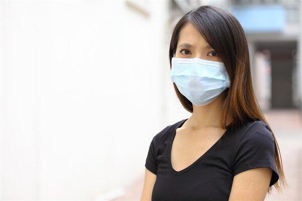 警惕!45%的新冠病毒感染