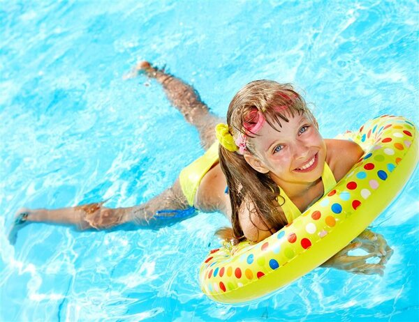 """妈妈注意啦,宝宝夏季游泳要小心这些夺命""""黑洞"""""""