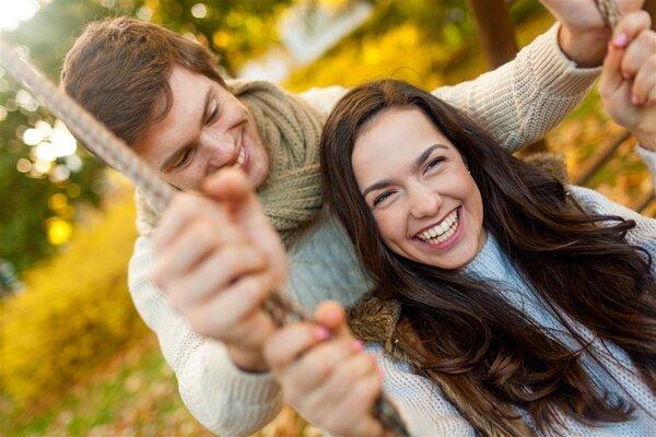 """为什么一谈恋爱就会""""智商为0""""?Nature:""""爱情激素""""多巴胺从中作梗!"""