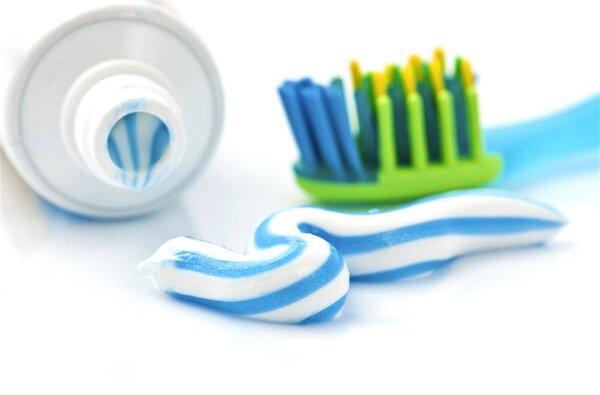 牙膏列为普通化妆品禁止宣称美白!牙膏真有美白功效吗?