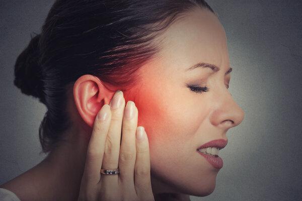 多补充维生素B12保护耳神经 预防耳鸣
