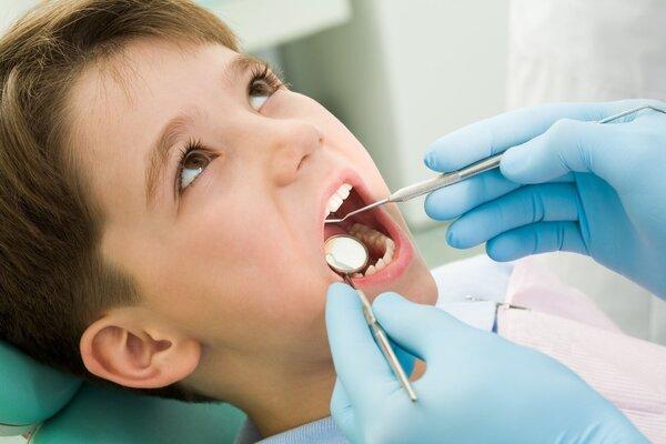 一颗烂牙竟引发骨髓炎 医生呼吁