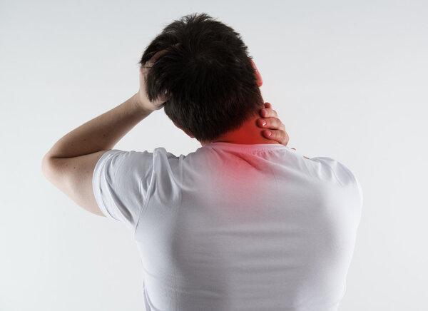 粤青少年脊柱侧弯患病率高达5.4% 早预防早筛查是关键