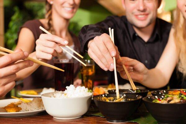 吃饭时先吃什么不容易胖