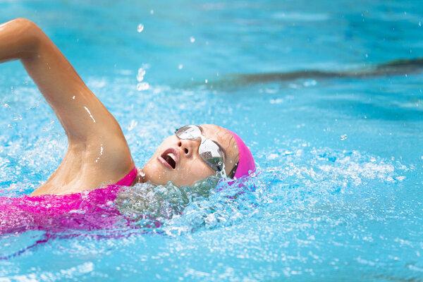 每天游泳减肥需要多长时间?