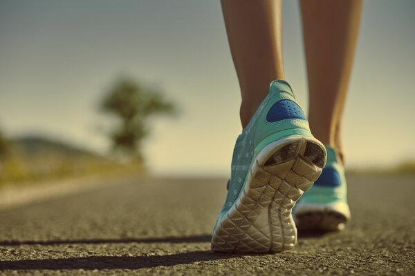 太多运动员因跟腱断裂告别赛场!接驳手术治疗后能不能马上走路?