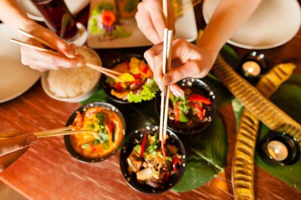 经常很晚吃晚餐,身体会变得怎样?