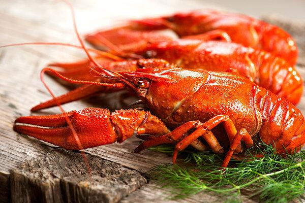 """冷链食品""""跨境传毒"""",刚买的进口冷冻虾要扔了吗?"""