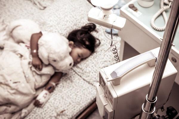 睡眠质量较差或与个体多种慢