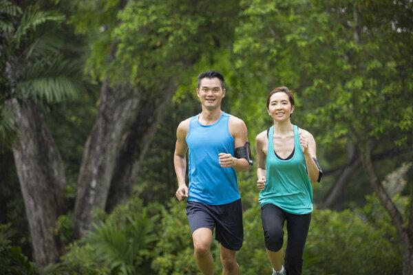 晨跑和夜跑到底哪个更好?