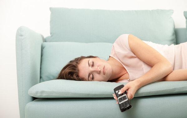 早上昏昏欲睡?这几个方法能让你快速清醒