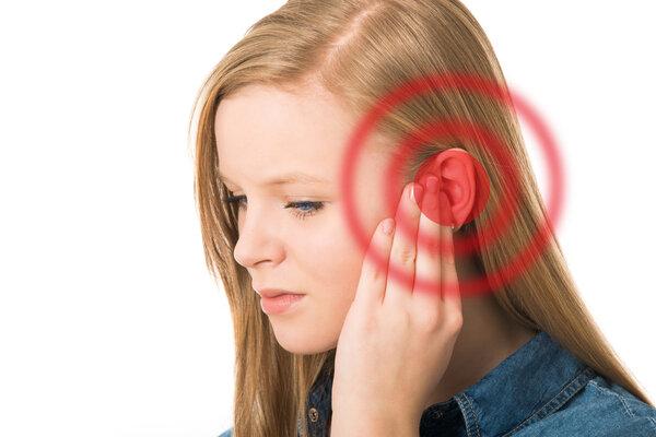 打耳洞发炎怎么办?做好清洁与消毒