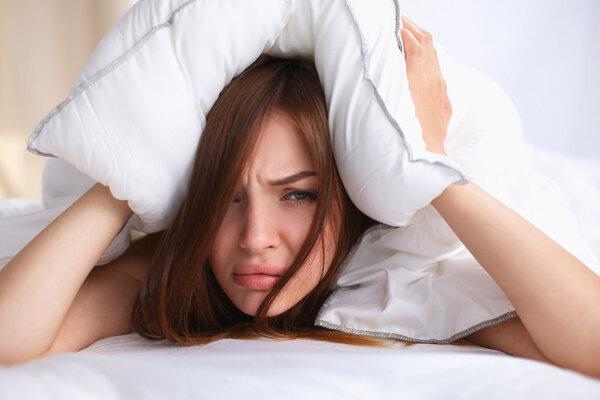 """如何摆脱耳鸣的""""梦魇""""?不妨做好五个护理事项"""