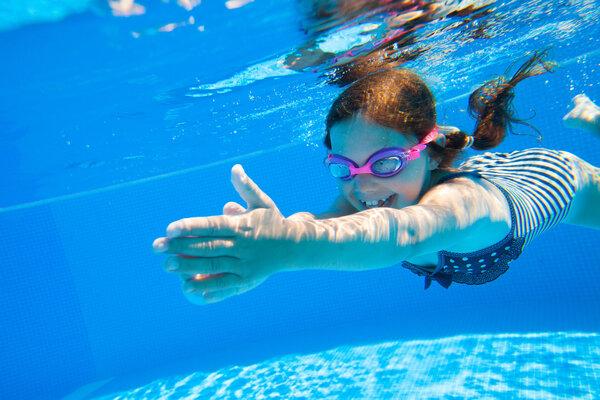 经常游泳有什么好处?