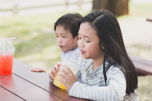 三岁智力低下的表现有哪些?这些异常情况要警惕