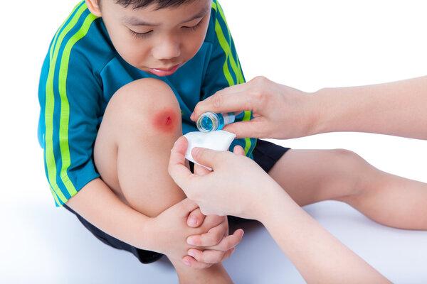 孩子常喊腿疼是生长痛?也可能是这几种病