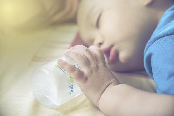 婴儿定型枕真的有用吗?专家这样说
